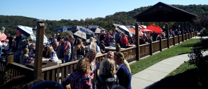 OakGlenn Vineyard & Winery Outdoor Seating